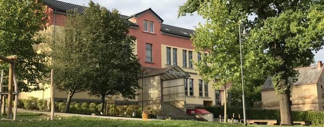 Grundschule Leubnitz 001.JPG